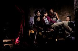 THUMB_01_Opera_Rock_02
